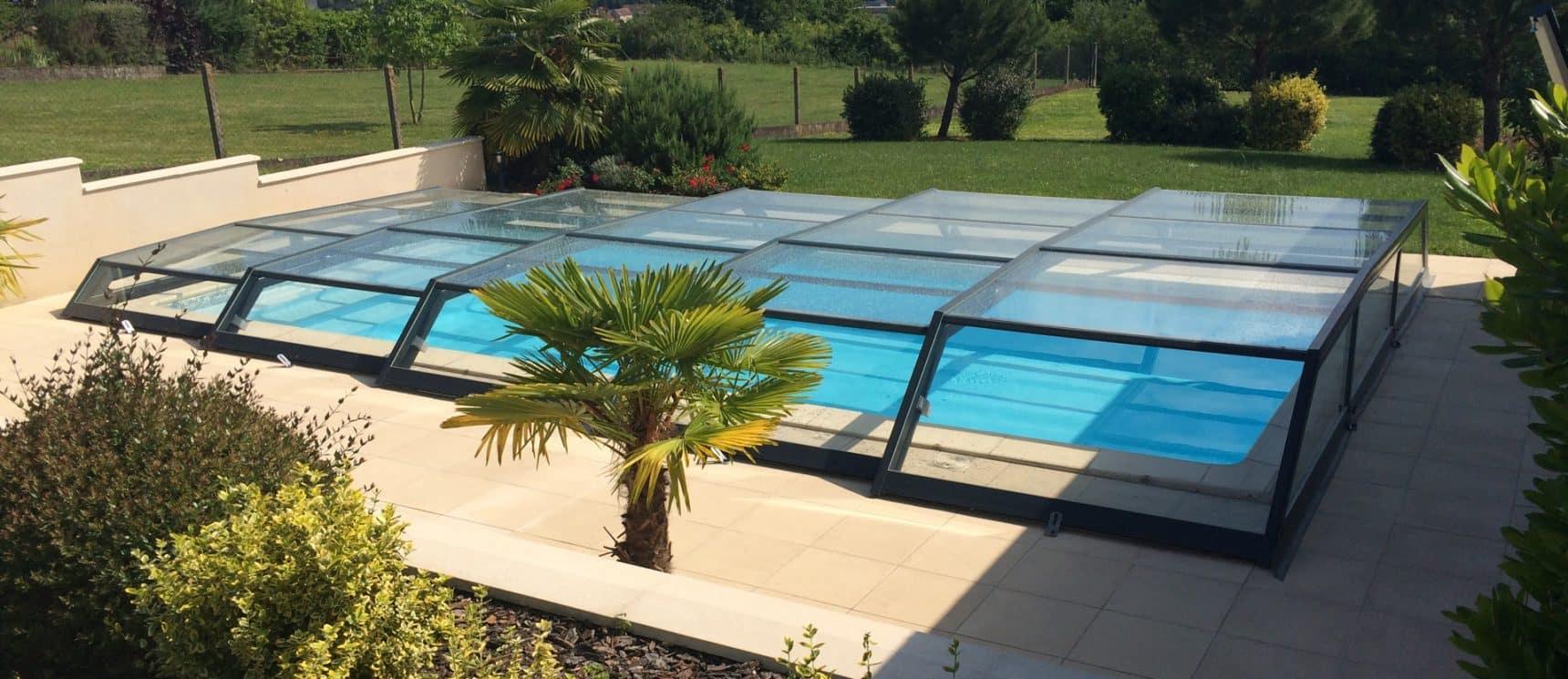 abris de piscine bas t lescopique iris abri piscine. Black Bedroom Furniture Sets. Home Design Ideas