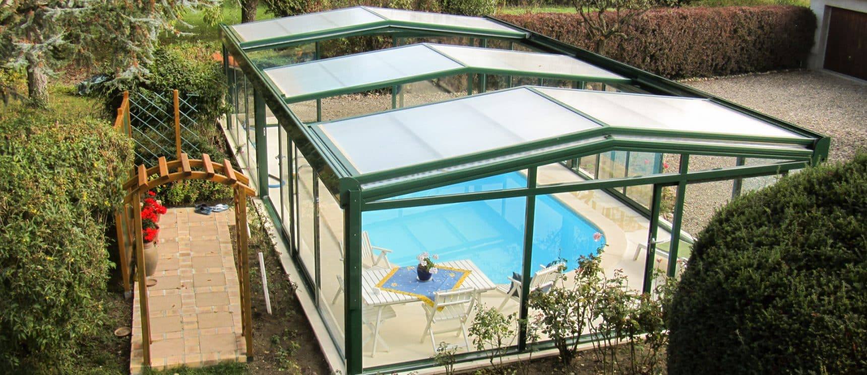 Abris de piscine visiopool abri de piscine fixe avec for Abris de piscine venus international