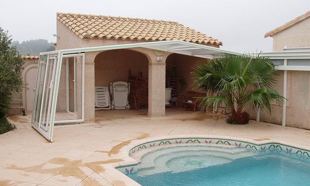Abri de piscine adossé pente inversée - Peyriac-de-Mer (11)