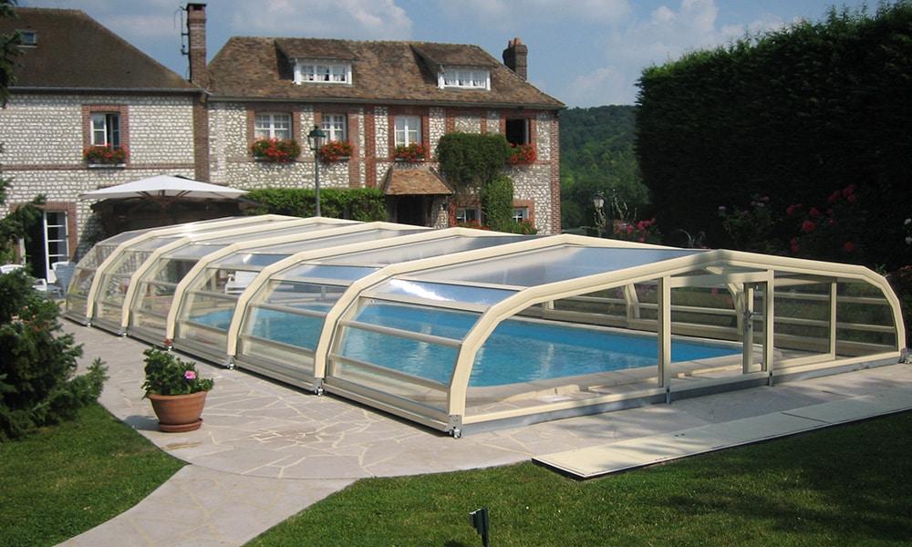 Abri de piscine mi-haut Ondine - Poses (27)