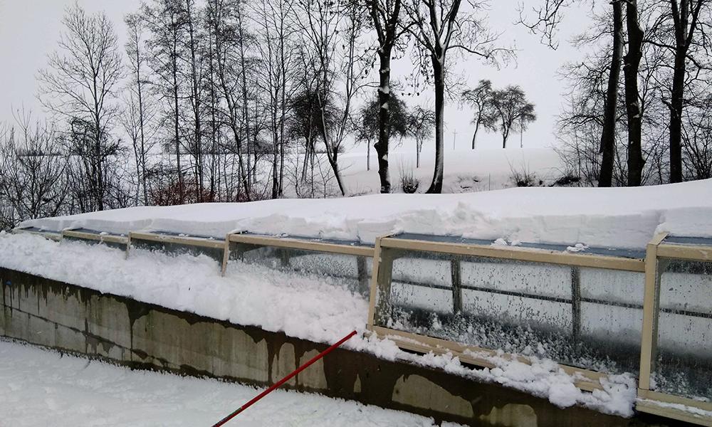 Abri de piscine mi-haut Discret - Abri sous la neige en Autriche
