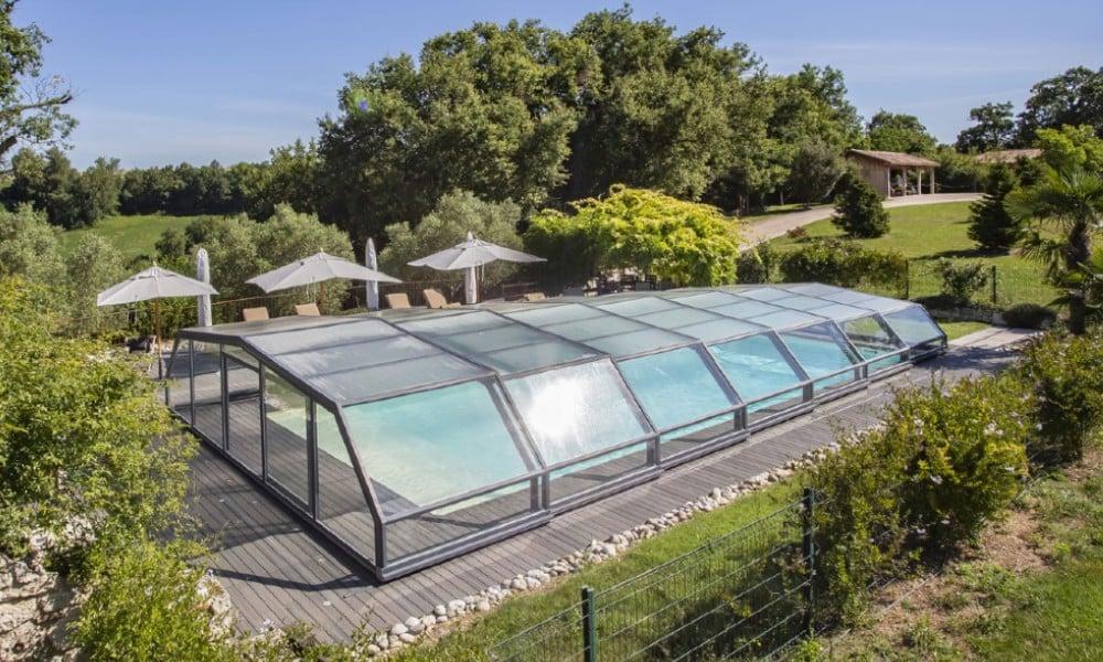 Abri de piscine mi-haut Arcadia - Domaine de Nazère, France