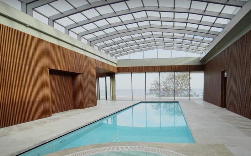 Abri de piscine – Hôtel Jurmala, Lettonie