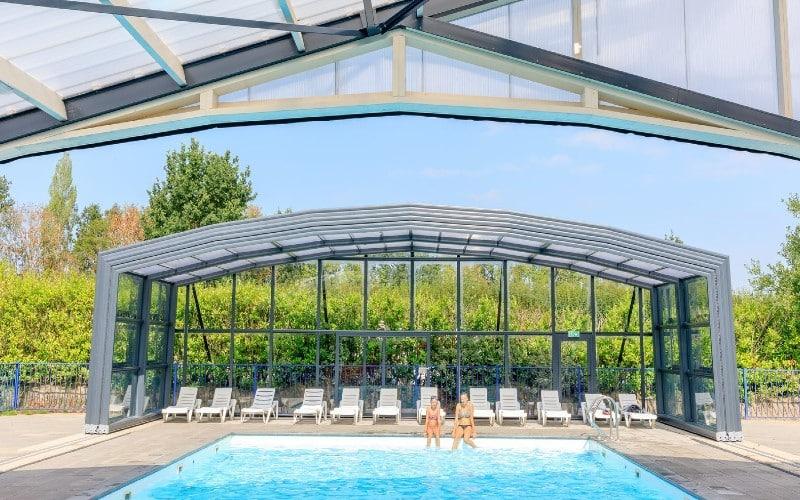 Abri de piscine au camping Akkertien, Pays-Bas